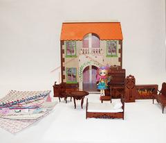 ЯиГрушка Дом с черепичной крышей с большим комплектом мебели и набором кукол