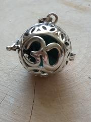 Медальон для камней Ом