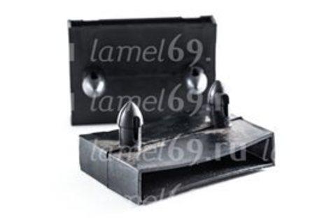 Латодержатель центральный накладной 63 мм с перегородкой на металлическое основание