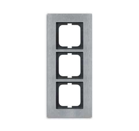 Рамка на 3 поста. Цвет Нержавеющая сталь. ABB(АББ). Carat(Карат). 1754-0-4256