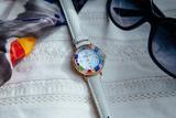 Часы на белом ремешке (нет в наличии, поступление в феврале) из муранского стекла