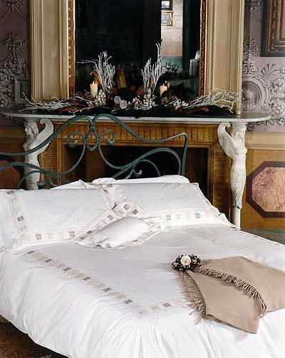 Постельное белье 2 спальное евро макси Cassera Casa Miele di Arancio белое