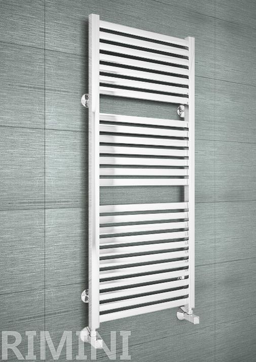 Rimini E - дизайн полотенцесушитель с прямоугольными горизонталями белого цвета.