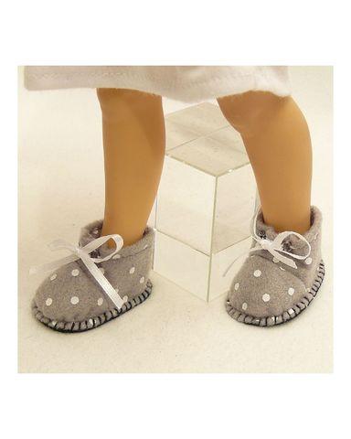 Ботиночки из фетра в горошек - На кукле. Одежда для кукол, пупсов и мягких игрушек.
