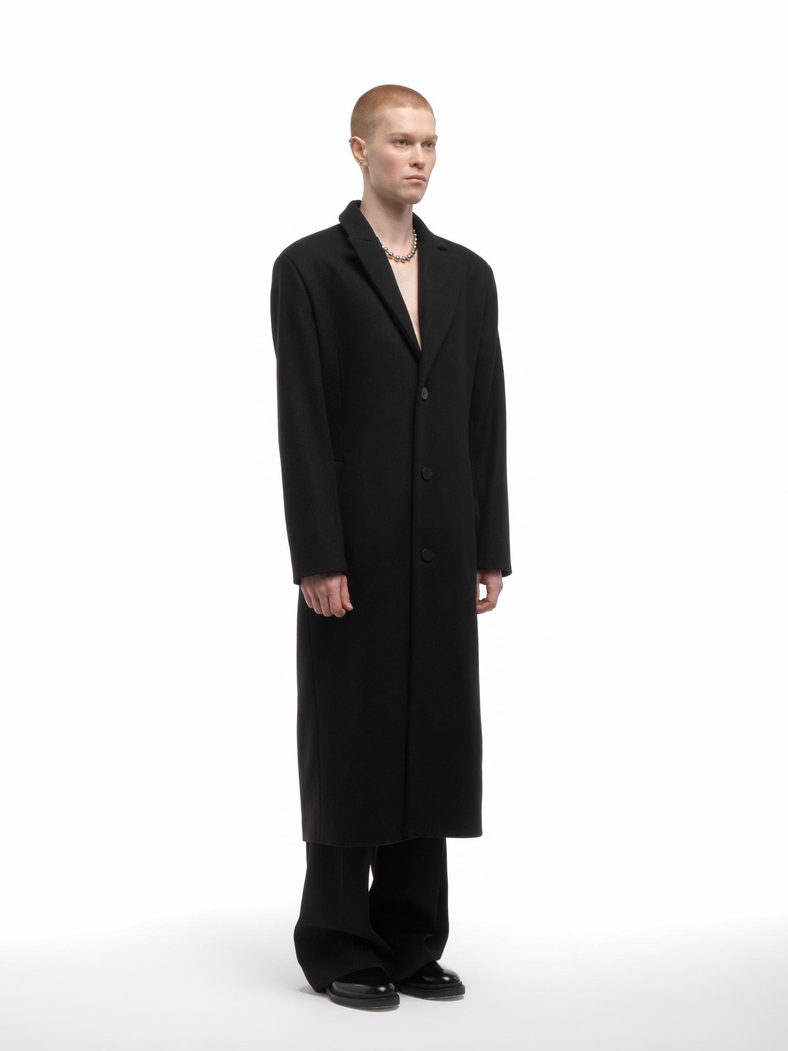 Пальто однобортное с лацканами