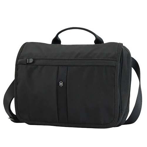 Сумка наплечная Victorinox Adventure Traveler горизонтальная, черная, 27x8x22 см, 4 л