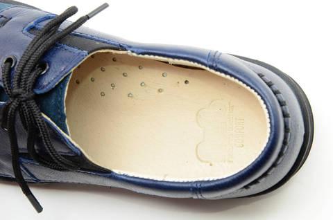 Ботинки для мальчиков кожаные Лель (LEL) на шнурках, цвет темно синий. Изображение 12 из 13.