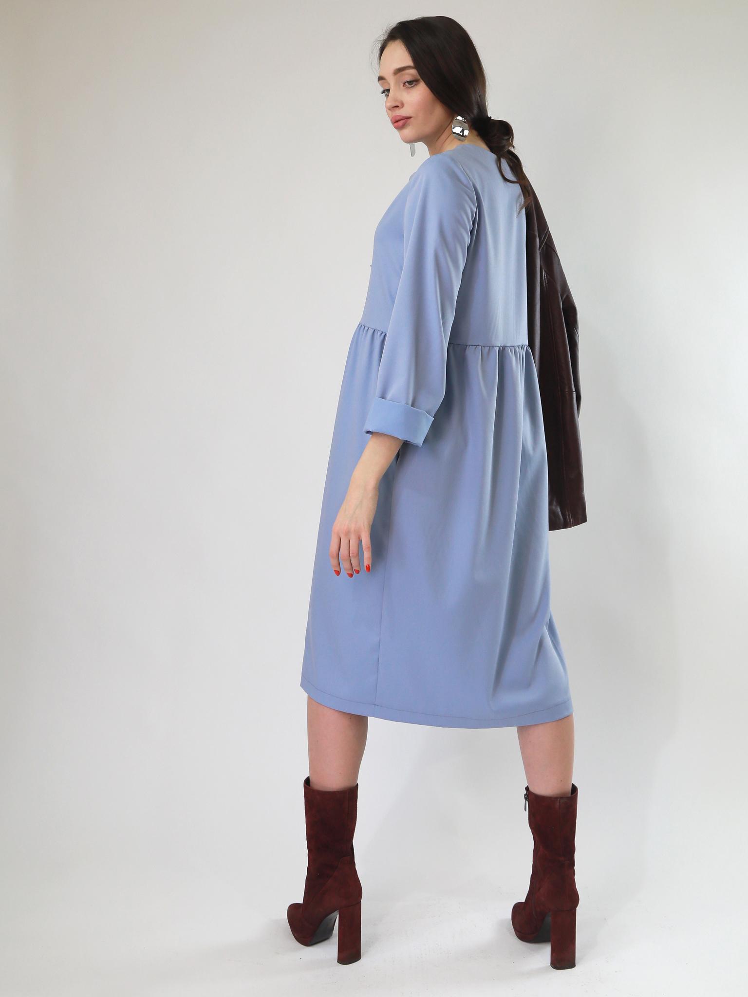 Платье А-силуэта с отрезной талией на сборке