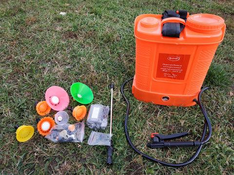 Электроопрыскиватель умница 12 литров зарядка аккумулятора
