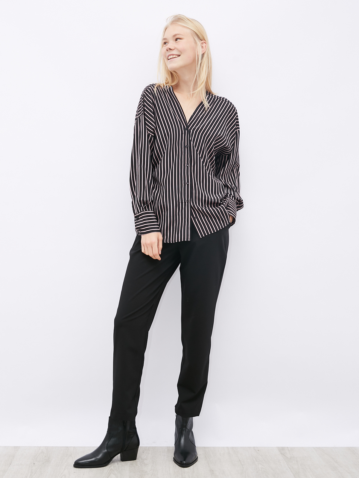 Блуза в полоску с пуговицами