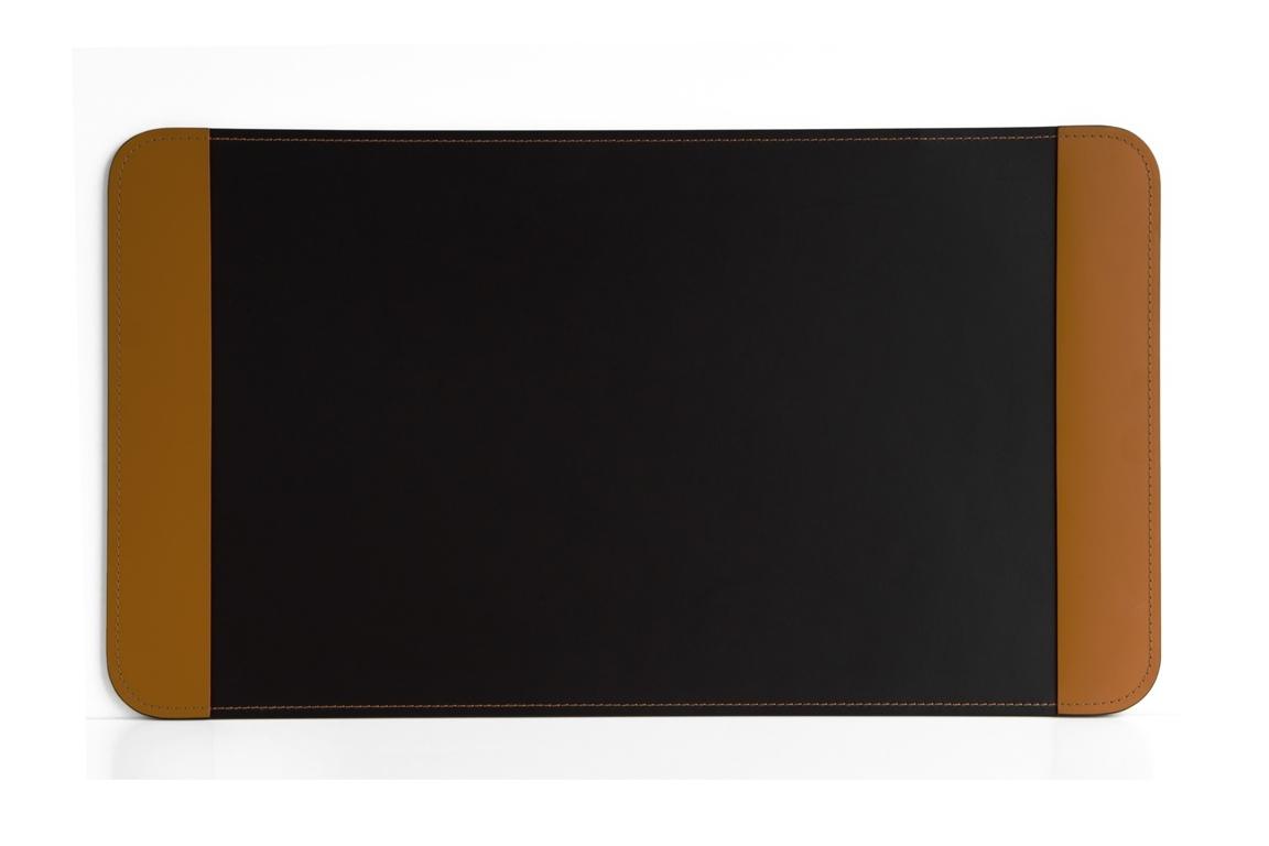 коричневый коврик на стол с боковыми накладками