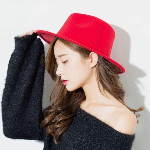 Шляпа фетровая красная