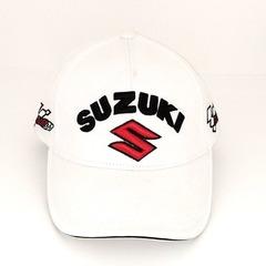 Кепка с вышитым логотипом Сузуки (Кепка Suzuki) белая