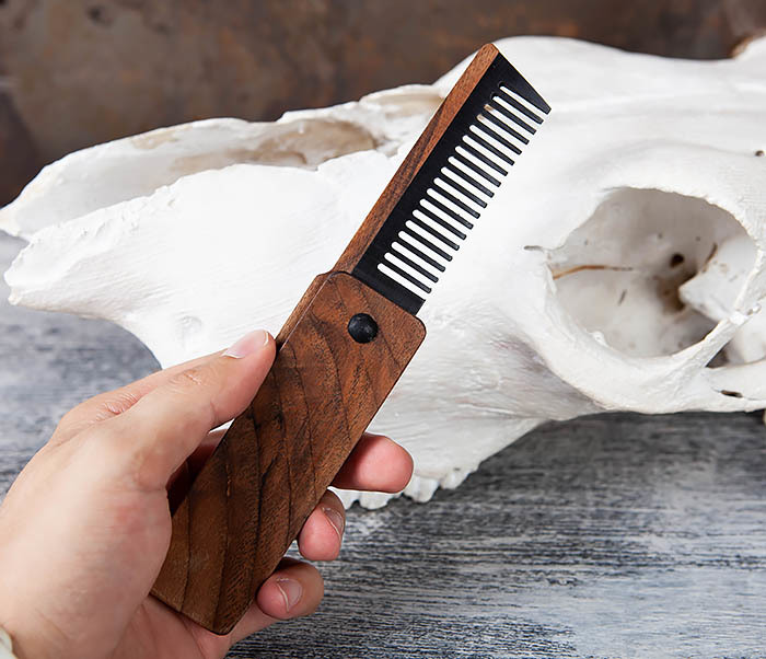 RAZ367 Деревянная складная расческа из ореха и граба фото 06