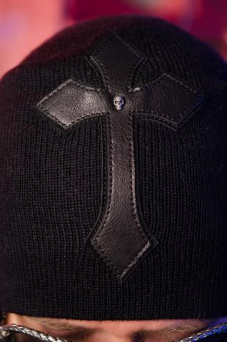 Шапка «Wild» от 7.17 Studio Luxury с крестом
