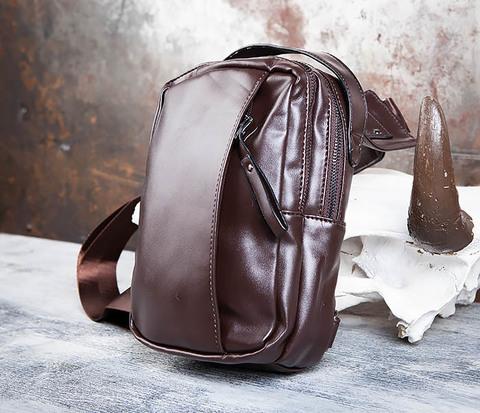 Коричневый рюкзак с одной лямкой через плечо