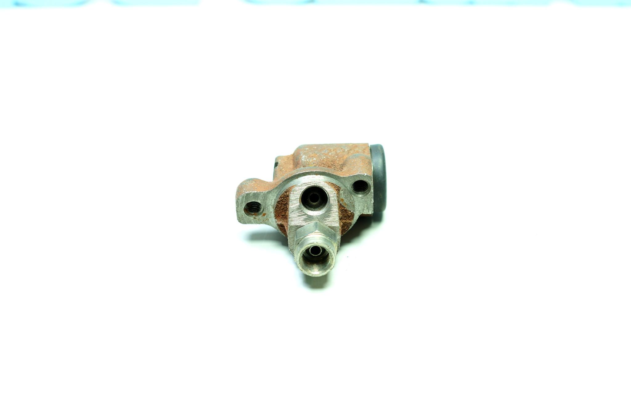 Тормозные цилиндры передних колес ЗАЗ 966, 968