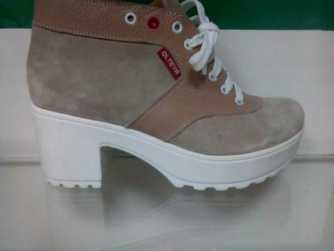 Ботинки женские осенние, замша Olteya