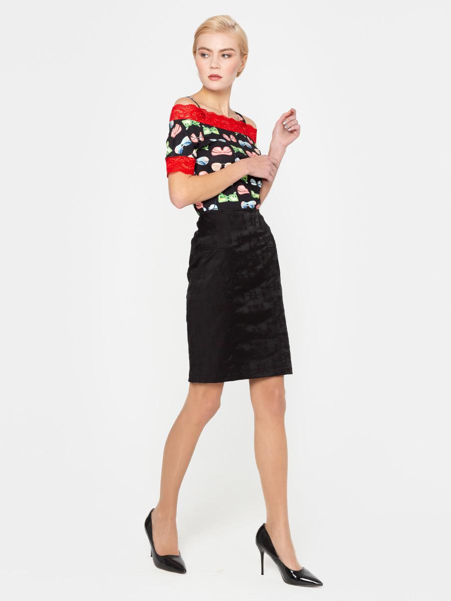 Юбка Б022-106 - Прямая юбка из фактурного хлопкового жаккарда. Данная модель превосходно сочетается со многими предметами гардероба, позволяя создавать всегда разные образы.