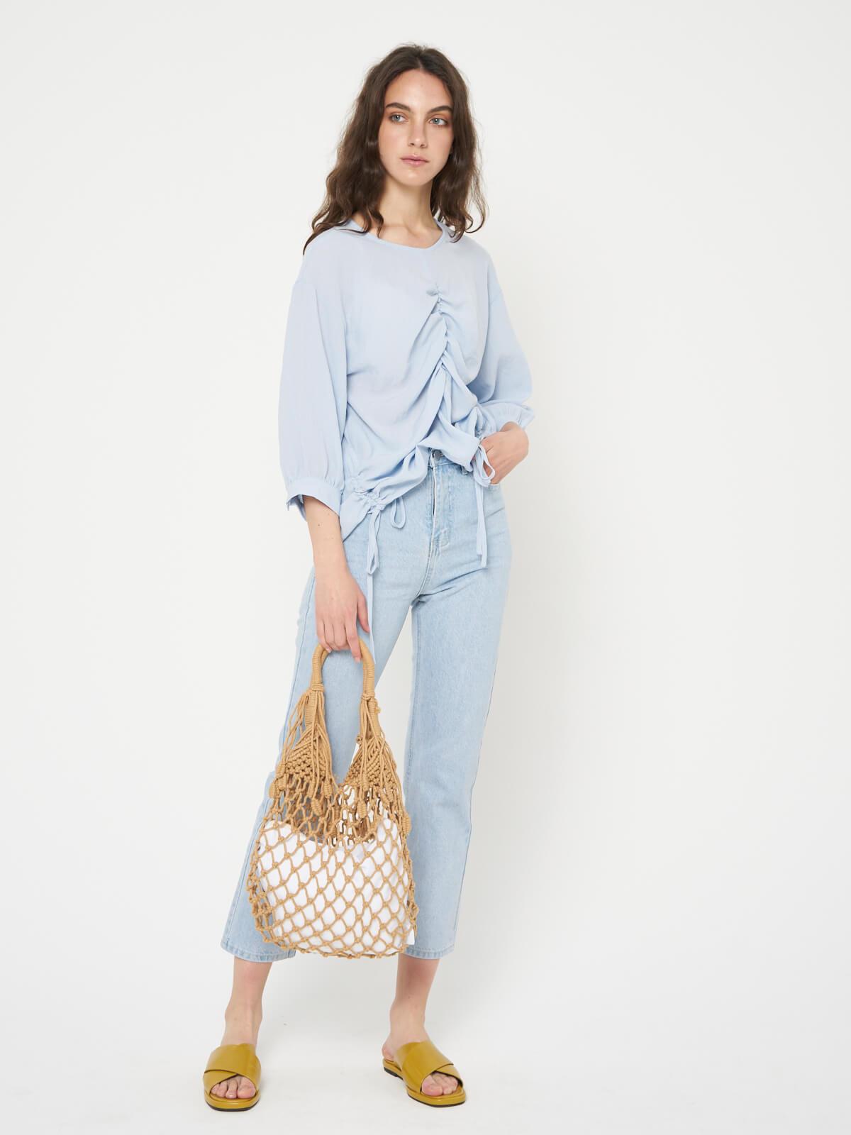 Блуза с затяжкой спереди