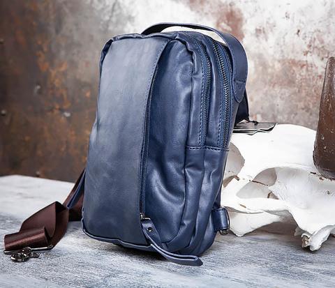 Мужской рюкзак с одной лямкой из синей кожи
