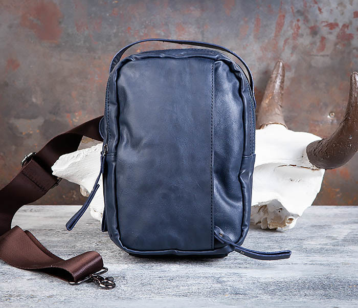 BAG452-3 Мужской рюкзак с одной лямкой из синей кожи фото 02