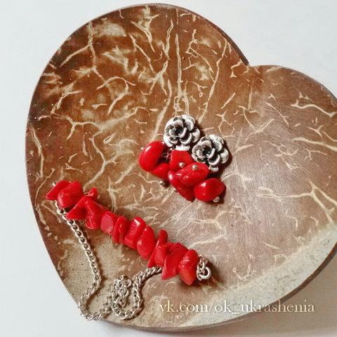 Бусина Коралл (тониров), крошка, цвет - красный, 5-11 мм, нить (Украшения из коралла. Пример)