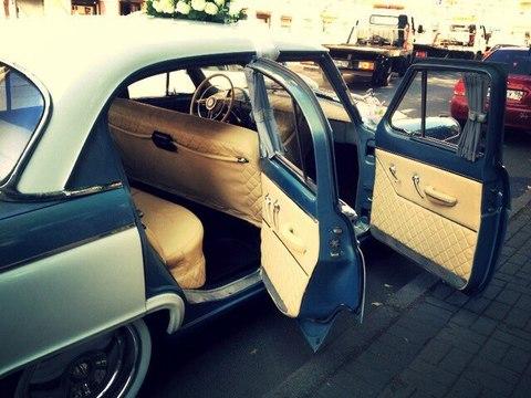 Перетяжка кожей салона ретро-автомобилей