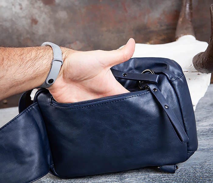BAG452-3 Мужской рюкзак с одной лямкой из синей кожи фото 11