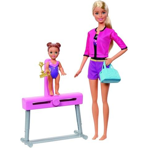 Барби тренер по гимнастике в розовой кофте