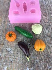 Овощи из глины