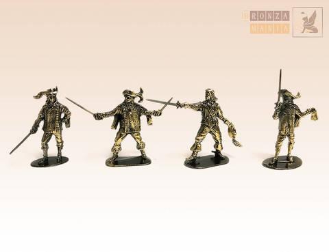 набор солдатиков Д'Артаньян и 3 мушкетера 4 шт.
