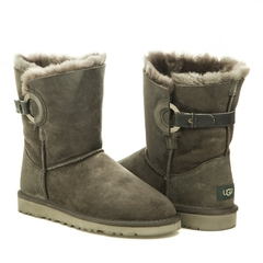 /collection/zhenskie-uggi/product/ugg-nash-grey