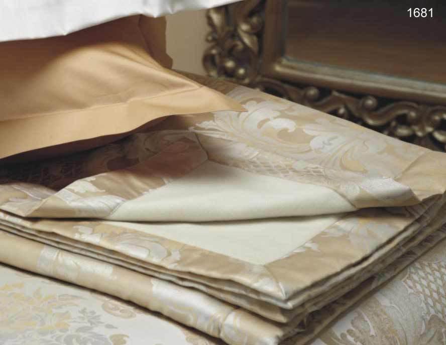 Плед 130х190 Louis XIV от Curt Bauer золотой