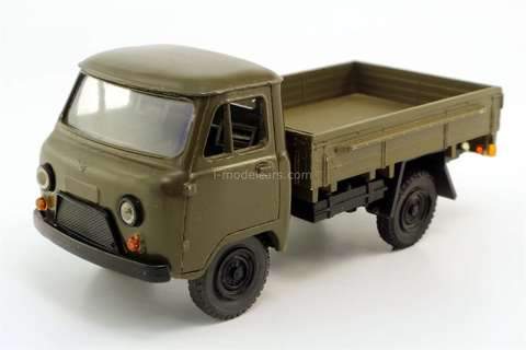 UAZ-452D khaki 1993 year Russian Miniature 1:43