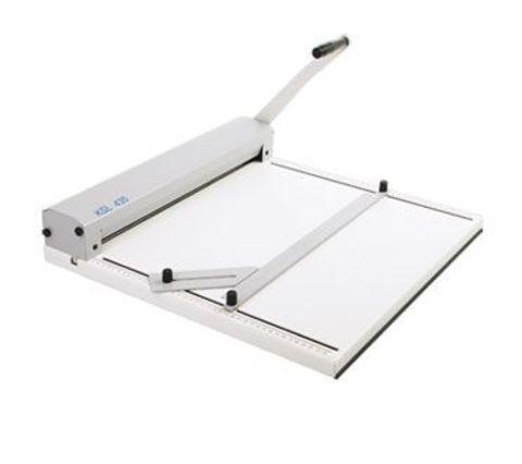 Биговщик ручной Cyklos KSL 435. Формат до А2, угол биговки: 0-90 градусов, ширина бига: 0,8 / 1,0 / 1,5 / 1,8 мм, плотность бумаги: до 400г/м2, максимальная раб. ширина: 435 мм.