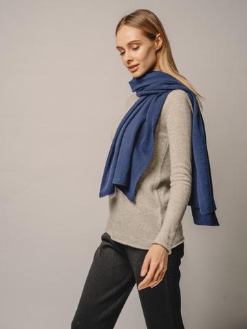 Женский шарф денимного цвета - фото 4