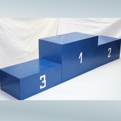 Пьедестал награждения спортсменов 1-2-3 места
