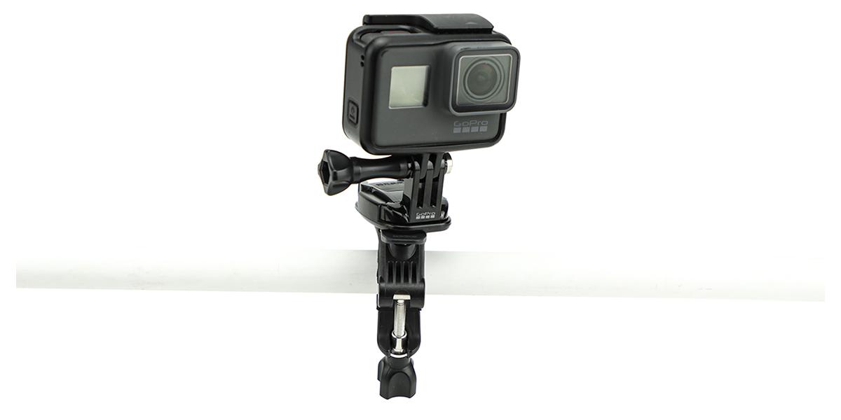 Крепление на руль/подседельный штырь/лыжные палки GoPro Handlebar / Seatpost / Pole Mount (AGTSM-001) с камерой спереди