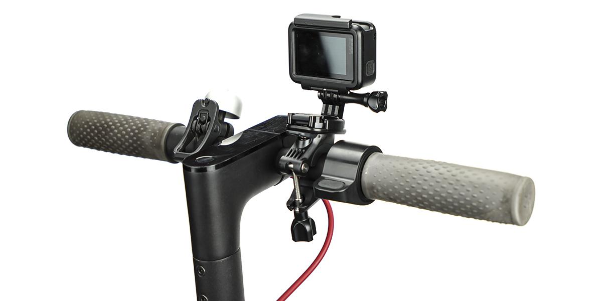 Крепление на руль/подседельный штырь/лыжные палки GoPro Handlebar / Seatpost / Pole Mount (AGTSM-001) с камерой сзади
