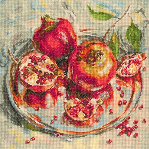 Название по-русски:    Коронованные плоды¶Размер кадра, см:    35*35 см¶Тип канвы, каунт:    Аида 14