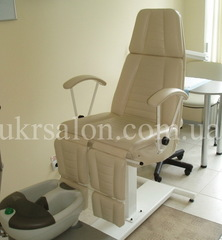 Педикюрно-косметологическое кресло КП-3