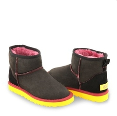 /collection/classic-mini/product/ugg-classic-mini-black-yellow