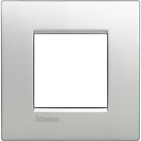 Рамка 1 пост AIR, прямоугольная форма. МОНОХРОМ. Цвет Алюминий. Итальянский стандарт, 2 модуля. Bticino LIVINGLIGHT. LNC4802TE