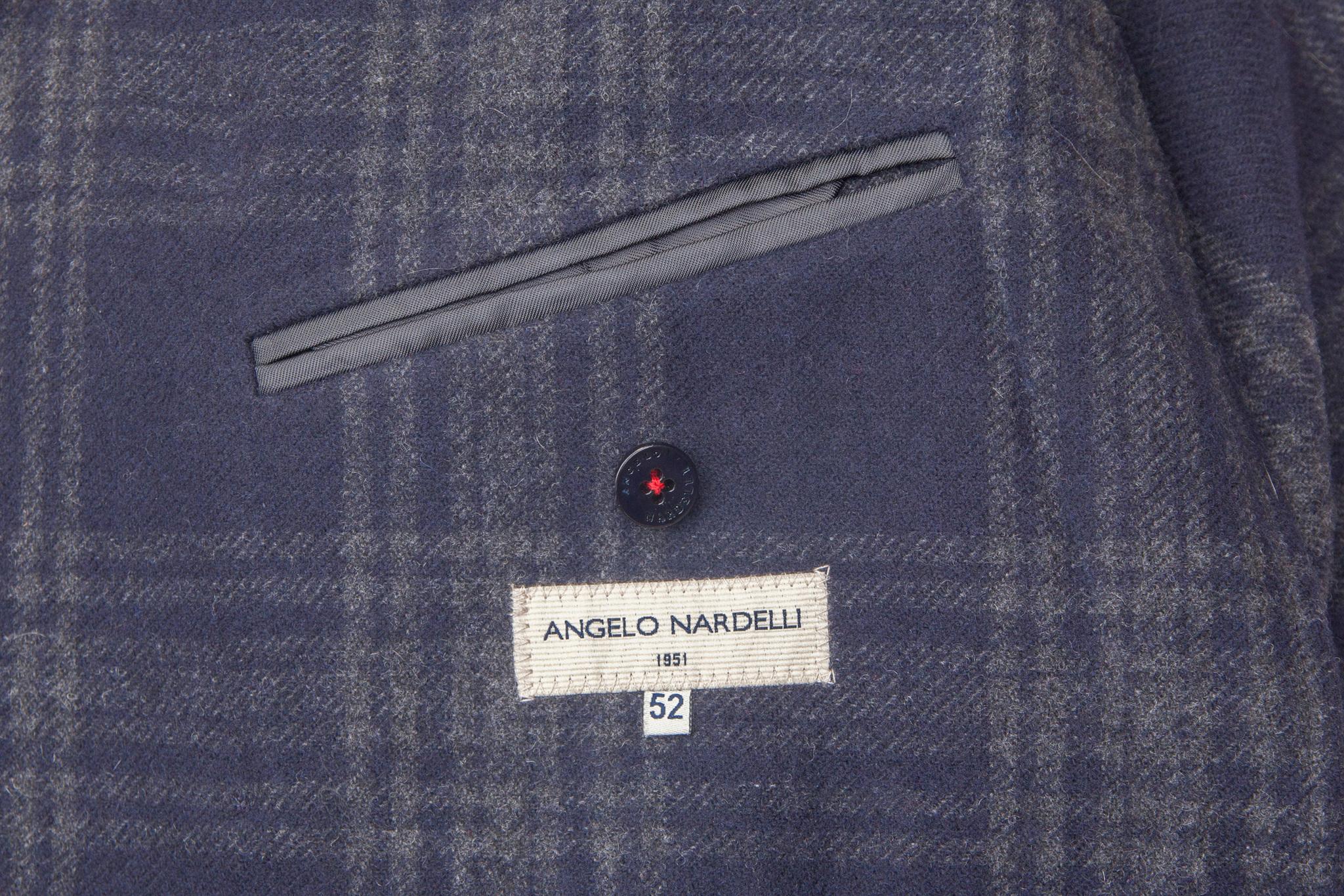Двубортное зелёное шерстяное пальто, внутренний карман