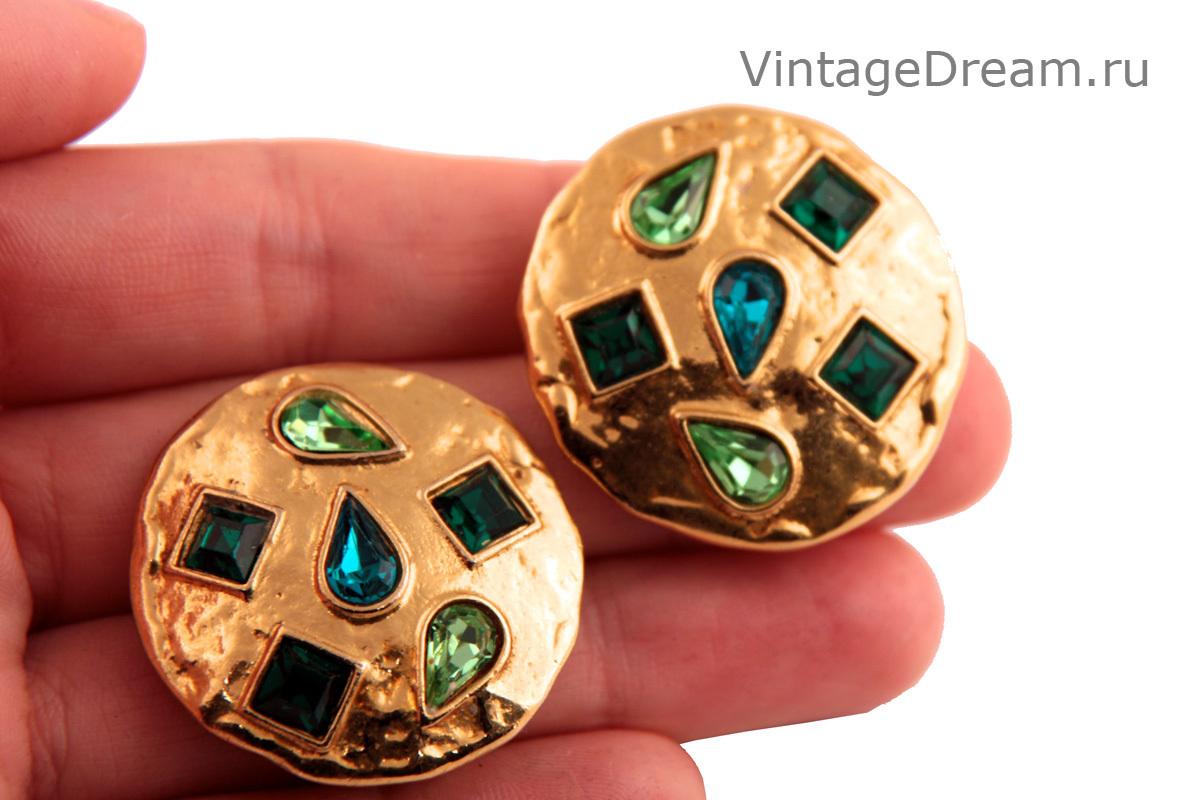 Стильные клипсы с зелеными кристаллами от YSL