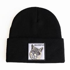 Вязаная шапка с принтом (эмблемой) Лиса черная