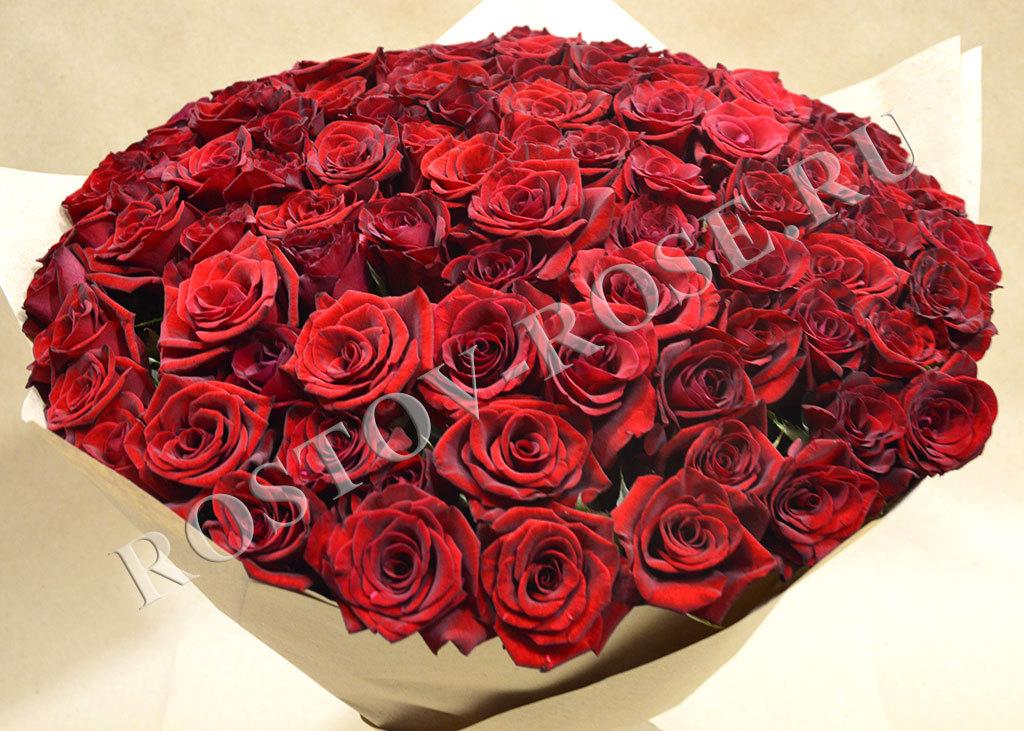 Букет из 101 местной розы сорта Черная Магия