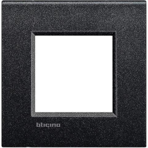 Рамка 1 пост AIR, прямоугольная форма. МАТОВАЯ ПОВЕРХНОСТЬ. Цвет Черная лава. Итальянский стандарт, 2 модуля. Bticino LIVINGLIGHT. LNC4802NL