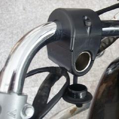 """Розетка 12V для установки на руль 22 мм (7/8"""")"""